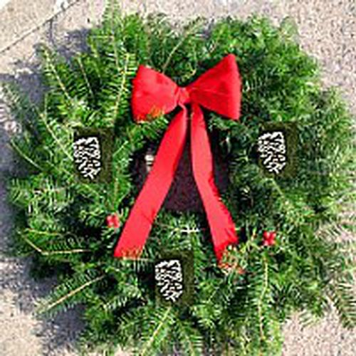 Traditional Wreath - 18 inch