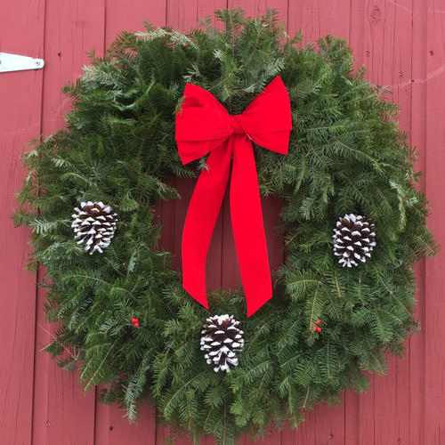 Traditional Wreath - 36 inch (Includes Oversized Fee)